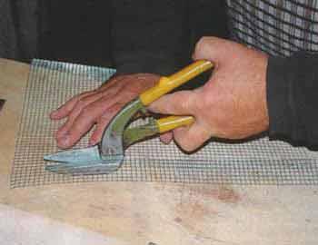 Фидерная кормушка своими руками