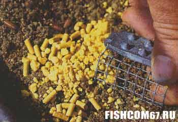 Гранулы и кукуруза в прикормке