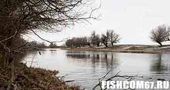 Рыбалка в апреле на реке
