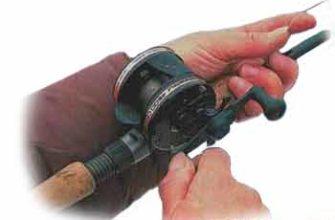 Положение руки на удилище при проводке приманки