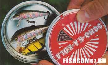В банке из-под лакомства хранятся приманки для рыбы